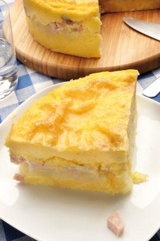Torta salata di polenta con prosciutto e taleggio al bimby