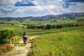Viaggi in solitaria: il turismo gastronomico lungo la Via Francigena