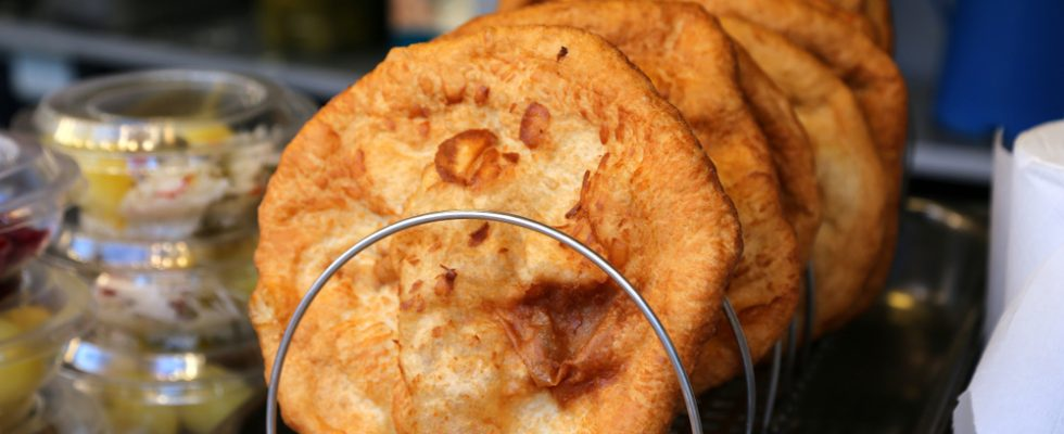 Langos, la pizza fritta dell'Ungheria