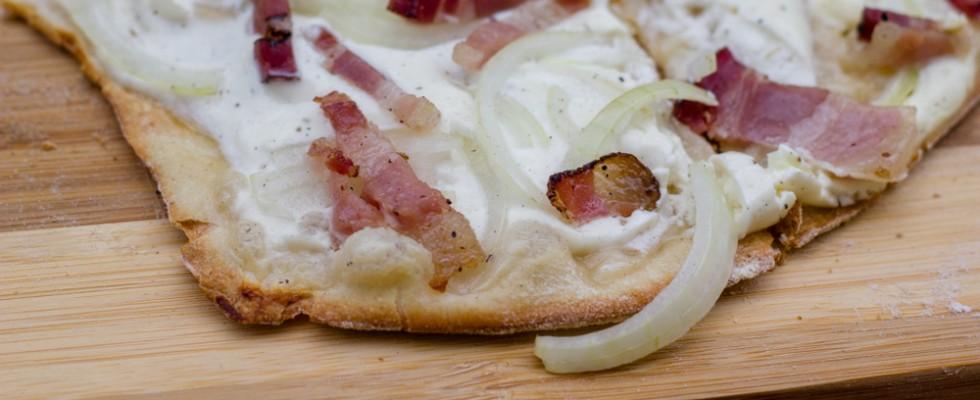 Flammkuchen: la pizza croccante dell'Alsazia