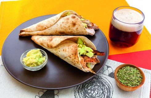 Tacos con petto di pollo marinato alla birra  con salsa guacamole