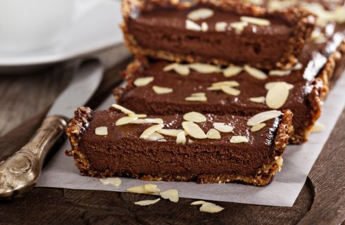 La Torta al cioccolato vegana che non ha nulla da invidiare alle torte tradizionali