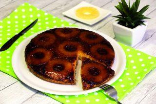 Torta all'ananas rovesciata vegana