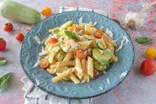 Pasta con zucchine e pomodori: super semplice