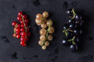 Frutti virtuosi: mangiate più ribes