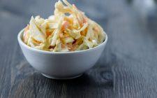 Insalate: il coleslaw perfetto si fa così