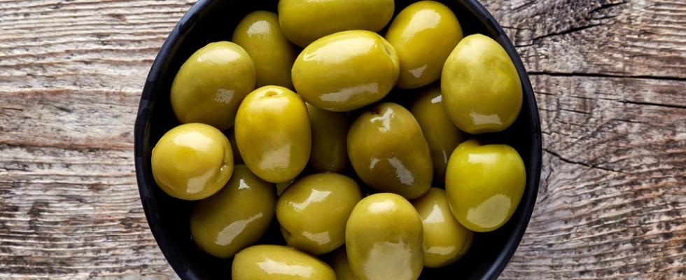 How to: come preparare le olive in salamoia