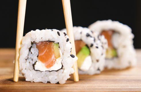 10 varianti di uramaki da preparare anche a casa