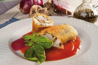 Spring rolls alla mediterranea con gazpacho leggero
