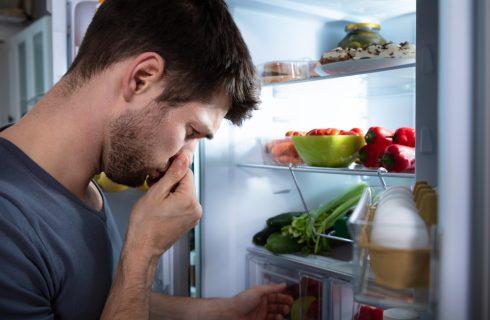Come eliminare i cattivi odori dal frigorifero in 5 modi