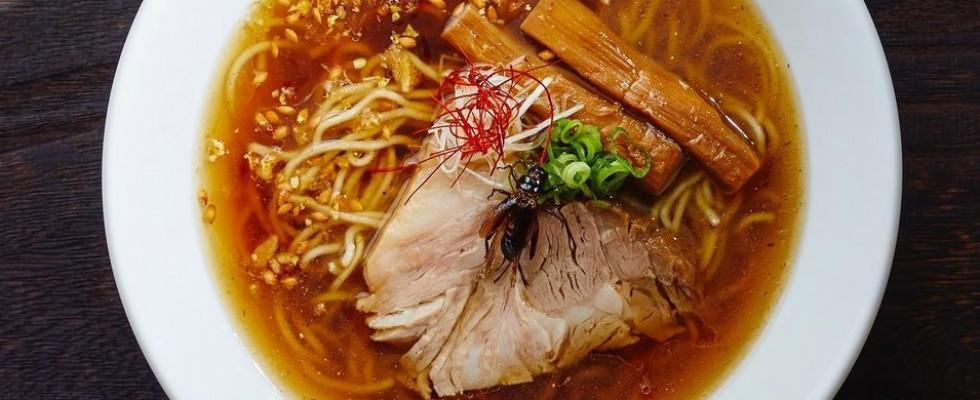 Voi lo mangereste un ramen a base di grilli? In Giappone è realtà