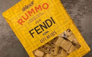 Pasta Rummo riprende il logo Fendi per la Milano Fashion Week