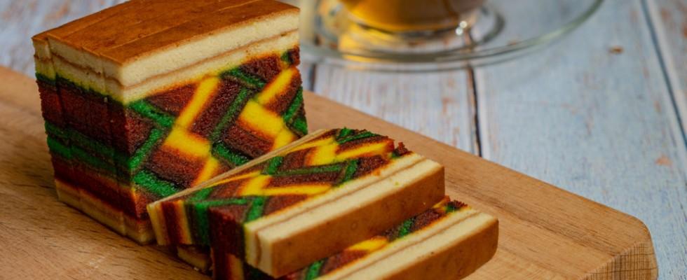 Kek Lapis, la difficilissima e scenografica torta a strati malese