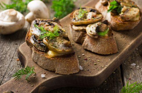 Crostini con funghi, l'antipasto dell'autunno
