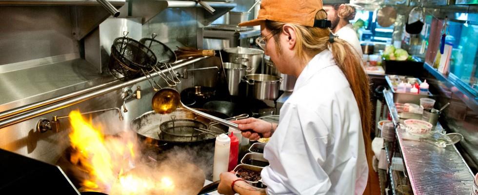 Se lo chef ti ustiona con cucchiai bollenti: lo scandalo di Mission Chinese Food a New York