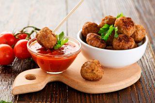 Polpette di carne con patate, servitele come finger food