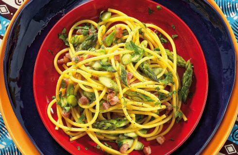 Spaghetti con pancetta, scalogno e asparagi al bimby