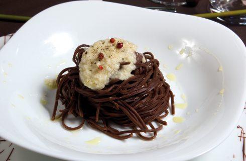 Tagliolini al cacao cacio e pepe: abbinamento riuscito