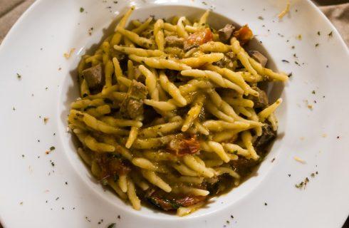 Trofie zucchine e speck: primo piatto cremoso