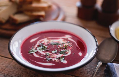 Borsch vegetariano: ricetta, ingredienti e preparazione