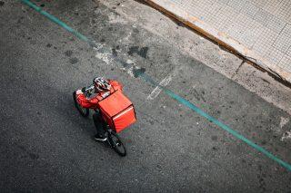 Consegne etiche: a Bologna il delivery dalla parte dei lavoratori