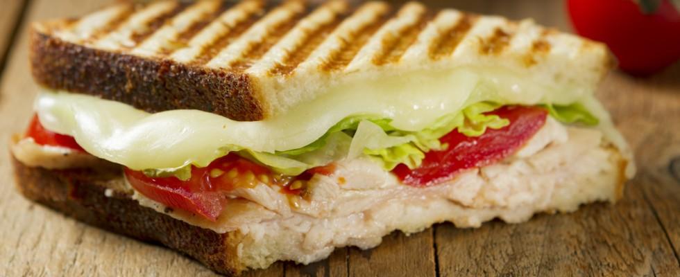 6 panini con pollo e tacchino da preparare per un pranzo veloce