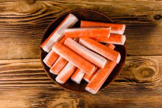 Di cosa è fatto il surimi che trovate nel sushi e nelle insalate di pesce?