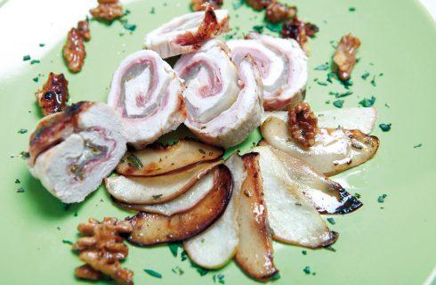 Rotolini di tacchino con indivia, speck cotto e mele