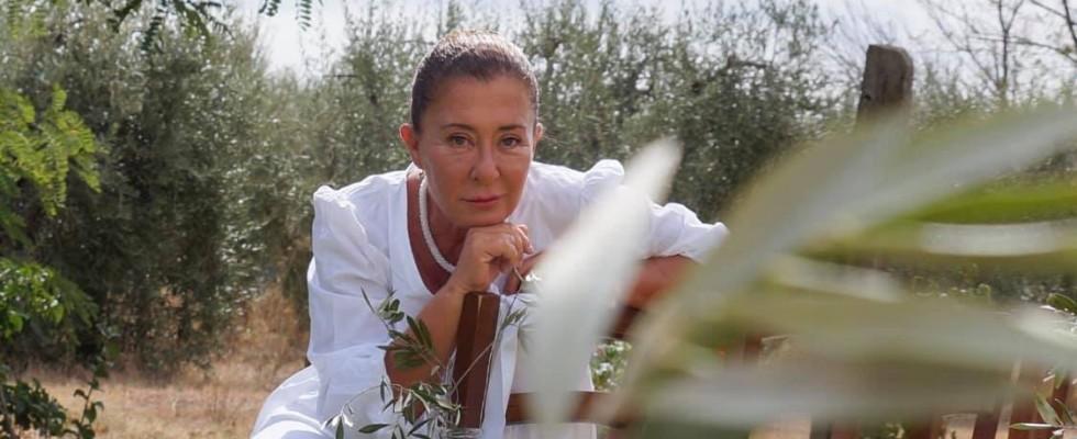 Beatrice, la contadina che insegna ai detenuti di Gorgona l'arte dell'olio