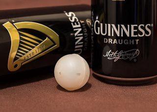 Perché la Guinness ha una pallina sul fondo? E altre stranezze delle birre, spiegate