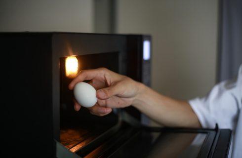 How to: 4 modi per cuocere le uova nel microonde