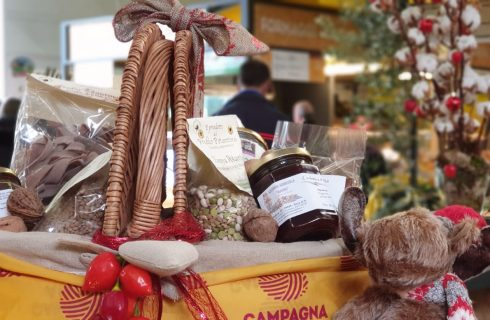Questo Natale sostieni i piccoli produttori con i loro cesti natalizi