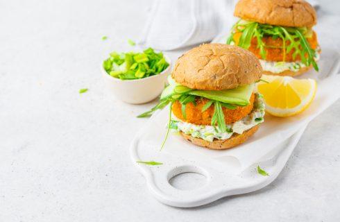 Hamburger di platessa: panino di pesce