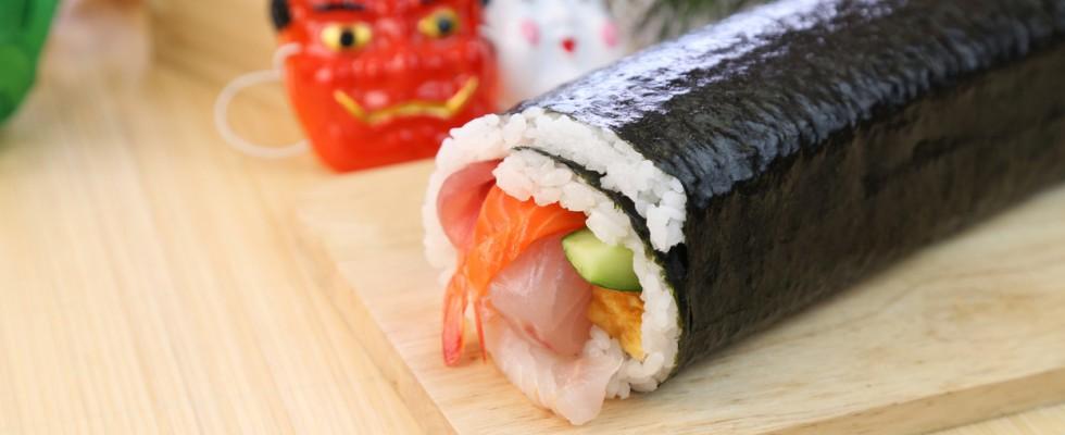 Ehomaki, il roll di sushi che porta fortuna