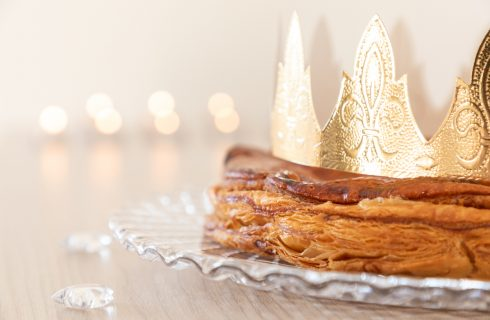 """Cos'è la Galette de rois, la torta """"da re"""" che mangiano in Francia"""