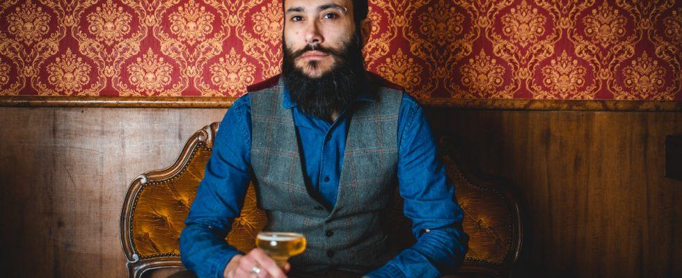 """Il barman che crea i cocktail """"antidoto"""" ai problemi di salute"""