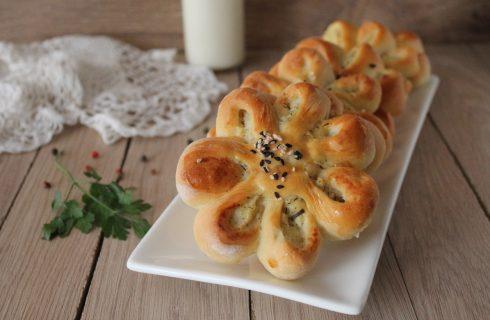 Fiori di patate: antipasti pronti in poco tempo