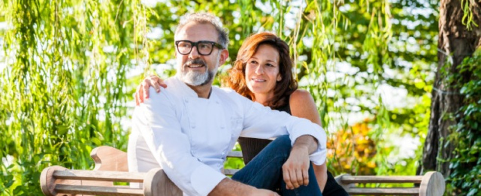 Il più grande pranzo di famiglia del mondo è servito: ospite speciale Massimo Bottura