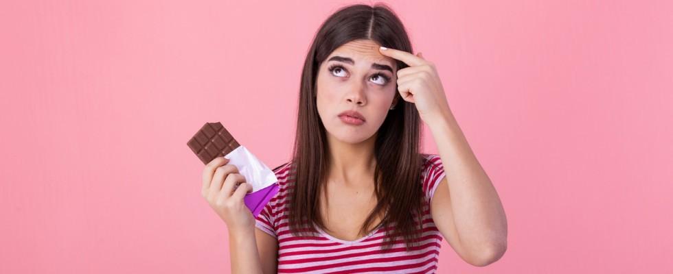 7 cibi che aiutano a migliorare l'acne (e quali invece evitare)