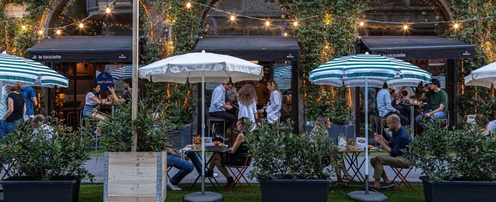 Milano, i migliori locali per un aperitivo all'aperto