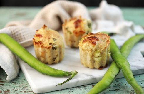Muffin salati con fave e pecorino