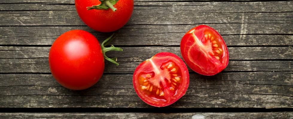 6 modi insoliti (e utili) in cui puoi usare i pomodori nella vita di tutti i giorni