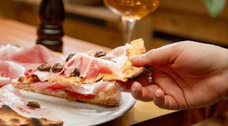 Il ritorno delle romane: da Eataly arriva la pizza bassa e croccante