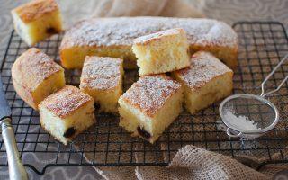 Torta soffice yogurt e amarene: ideale per la merenda