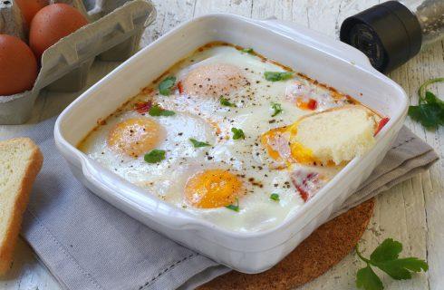 Uova al forno: un secondo facile e goloso
