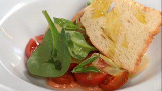 Insalata di pomodori, come la prepara uno chef!