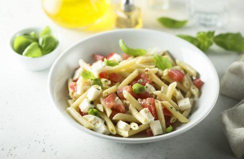 Pasta caprese: estate italiana