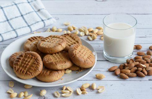 Biscotti vegani con latte di mandorle: croccantissimi