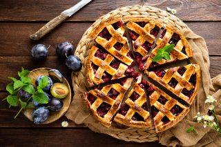 Crostata di prugne fresche: di stagione