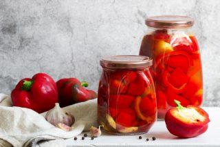 Peperoni sott'aceto senza cottura